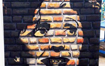 Le trompe l'oeil est réalisé sur une toile, qui peut être exposée sur cadre ou marouflée sur un mur