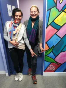 Aurélya et Lussi devant leurs signatures d'artistes :)